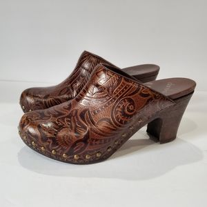 Dansko womens paisley tooled leather size 38